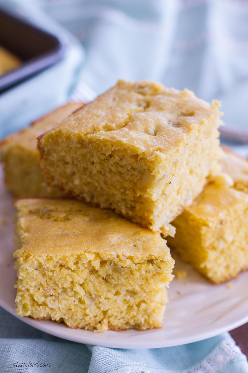 Southwest Green Chile Cornbread | RecipeLion.com