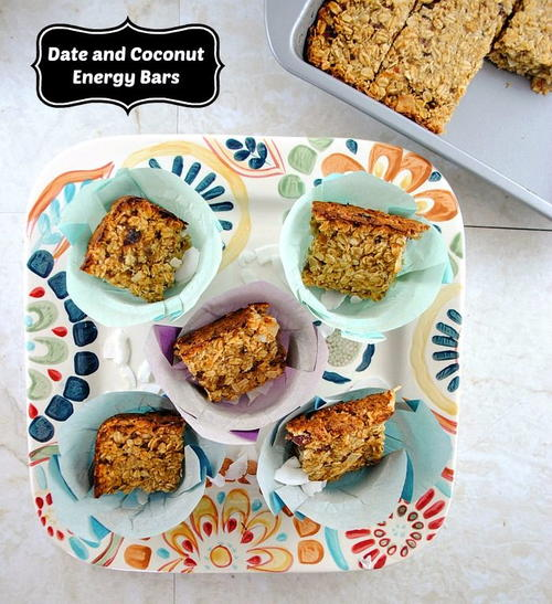 Homemade Energy Bars with Dates, Coconut and Oats