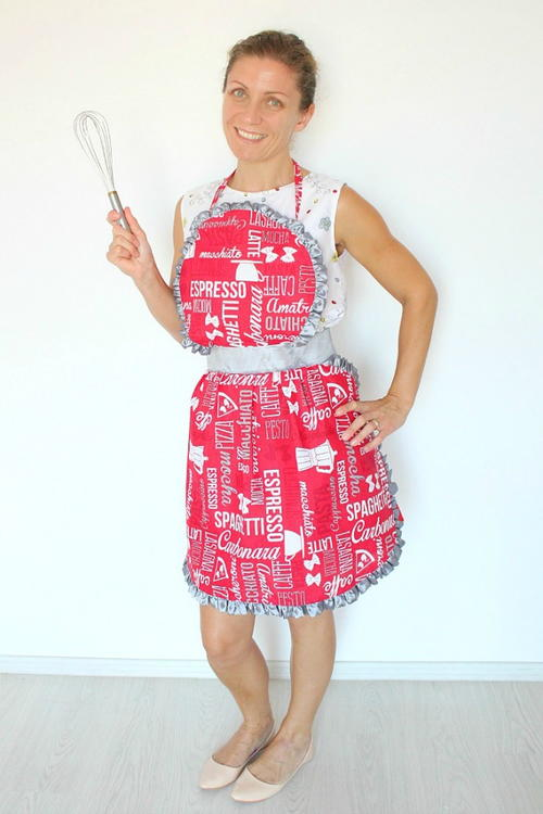 Retro Ruffled Apron