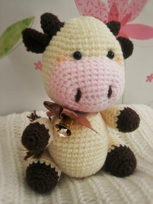 Candy the Cow Amigurumi