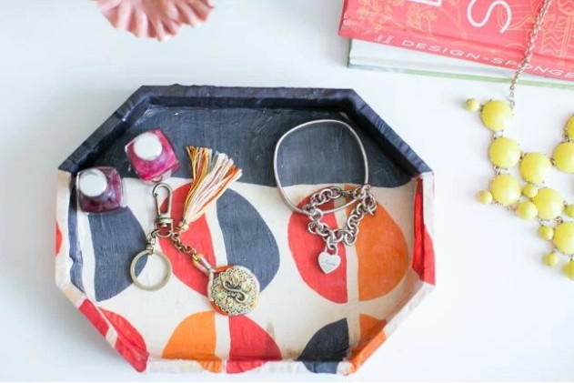 Darling DIY Jewelry Tray DIYIdeaCentercom
