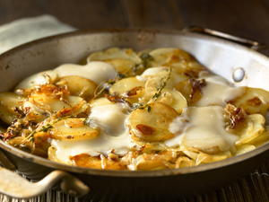 Melting Potatoes with Thyme and Cheese
