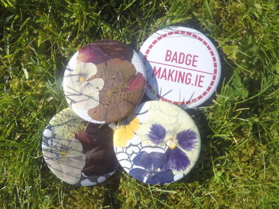 Badge Making with Pressed Flowers