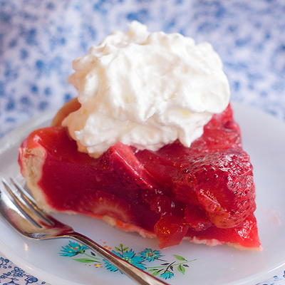Old-Fashioned Strawberry Jello Pie