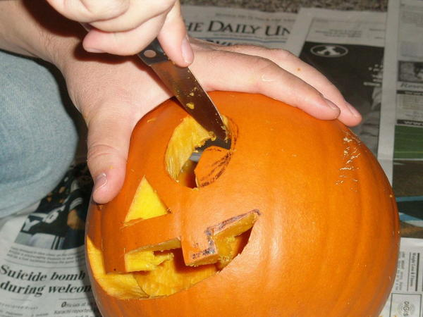 Fun Pumpkin Carving DIY