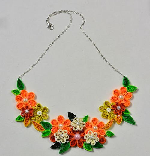 Vibrant Floral and Pearl Quilled Necklace
