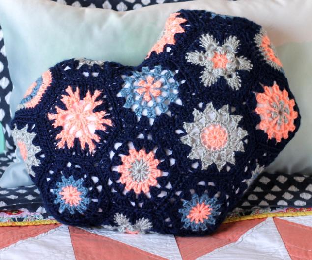 Heart Shaped Crochet Pillow Allfreecrochet Com