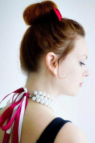 Classy Pearl and Ribbon DIY Necklace
