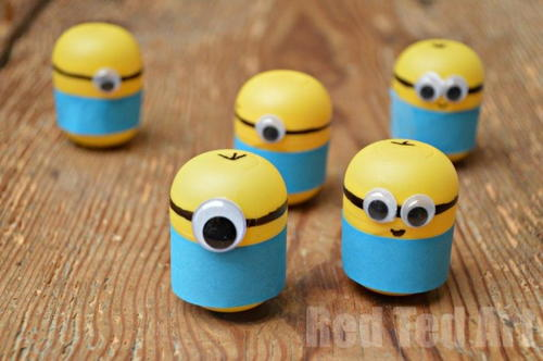 Minion Weeble Craft using Kinder Egg Capsule
