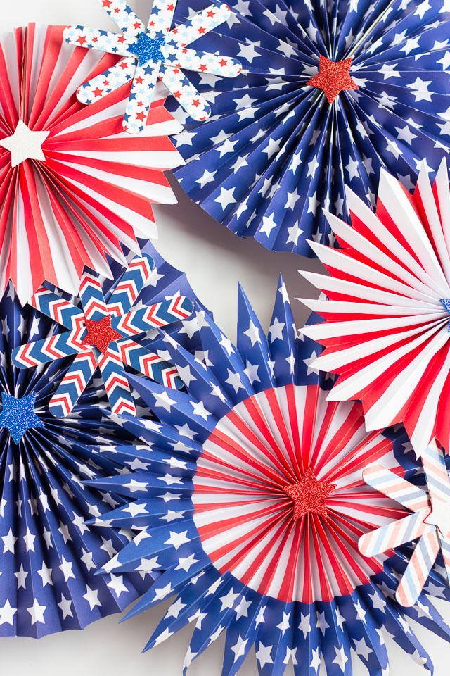 Fourth Of July Pinwheel Wreath Allfreeholidaycrafts Com