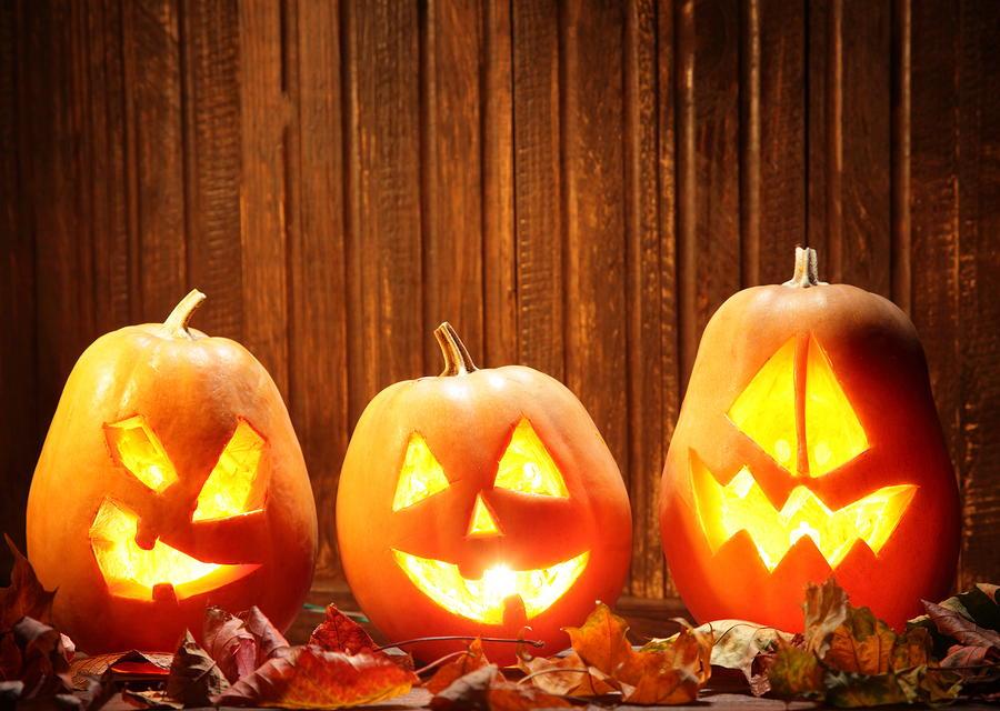 How To Carve A Pumpkin Tips And Tricks Diyideacenter Com