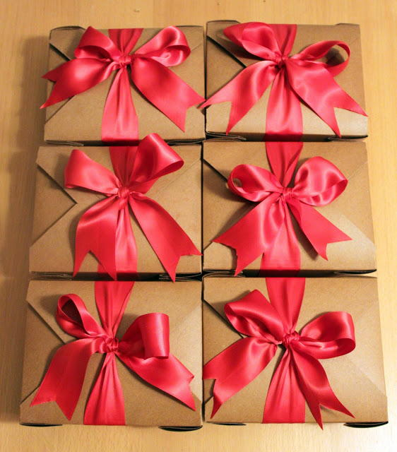 Secretly Cheap DIY Gift Boxes