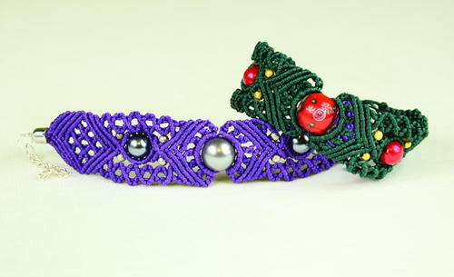 Holiday Beads DIY Macrame Bracelet