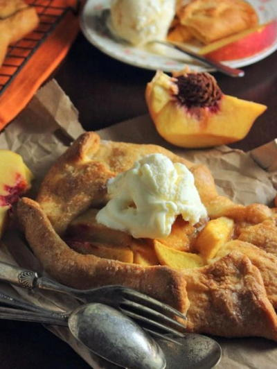 Open Faced Peach Pies