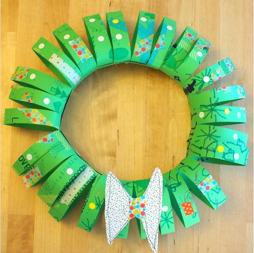 Paper Tube Diy Christmas Wreath Allfreechristmascrafts Com