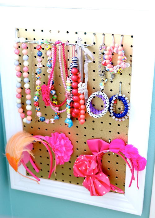 Amazing DIY Jewelry Organizer