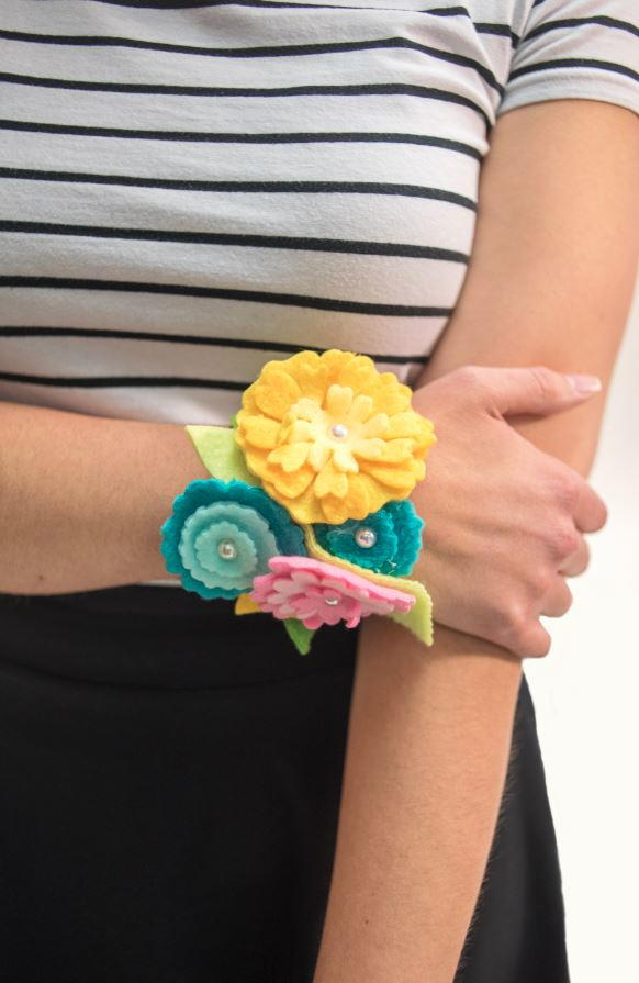 Felt Flower Corsage Craft