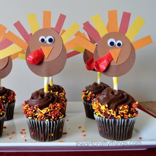 19 Edible Turkey Crafts Thanksgiving Crafts: DIY Thanksgiving Cupcake Topper