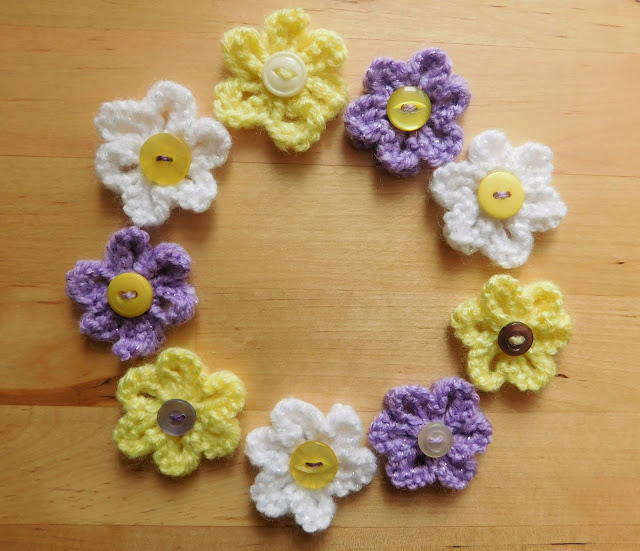 easy daisy knit flower pattern allfreeknittingcom