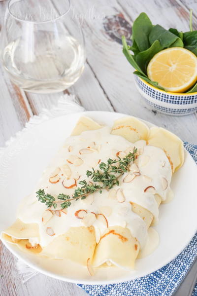 Spinach and Chicken Crepes with White Wine Sauce