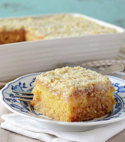 Do Nothing Pineapple and Coconut Cake
