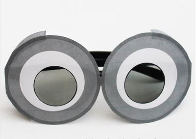 Make Your Own Minion Goggles