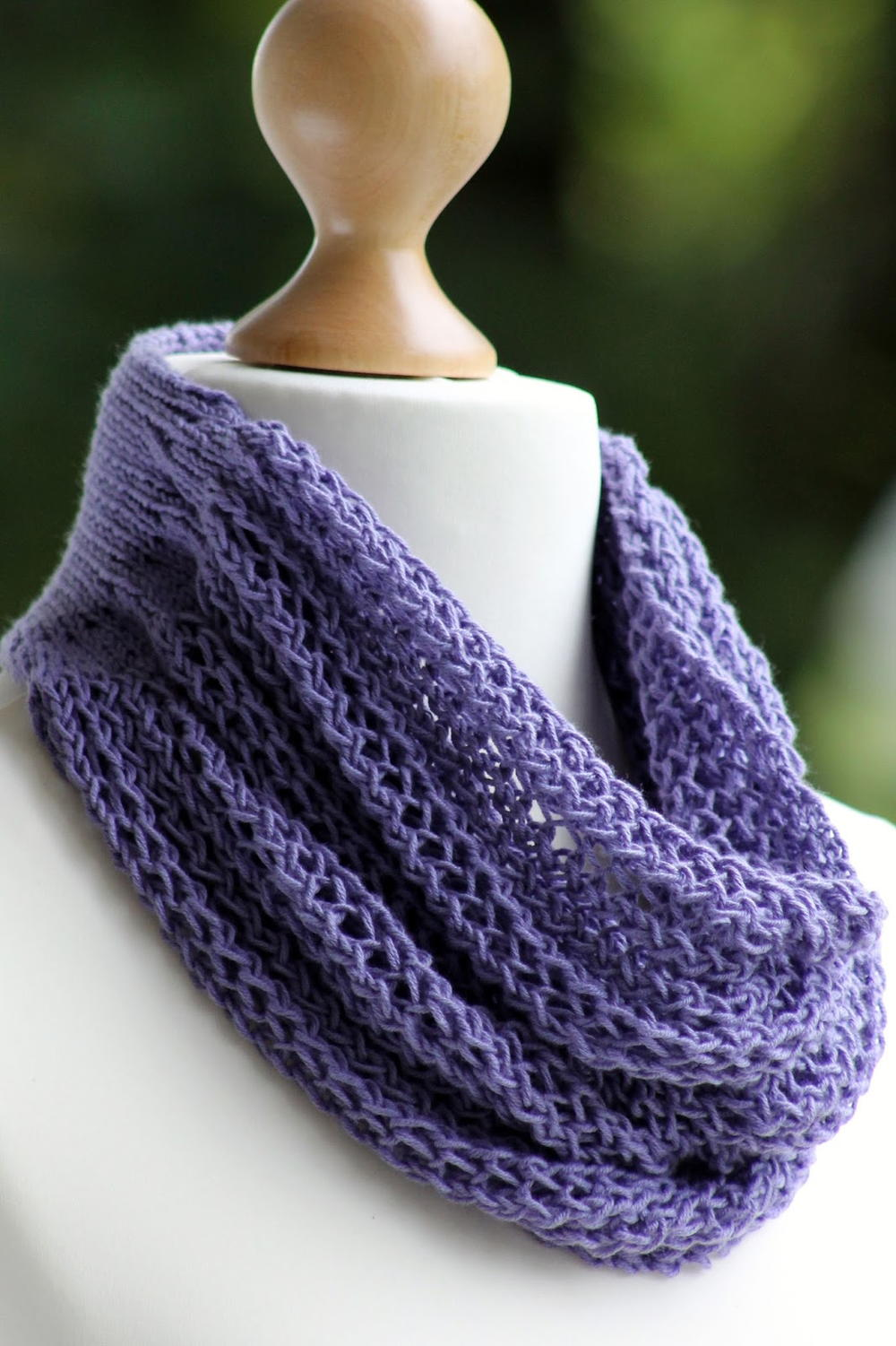 Free Knitting Patterns Cowl Hat : Gorgeous Grape Knit Cowl AllFreeKnitting.com