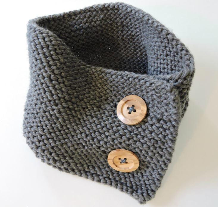 Knitting Patterns For Baby Neck Warmers : Woodsy Button-up Neck Warmer AllFreeKnitting.com