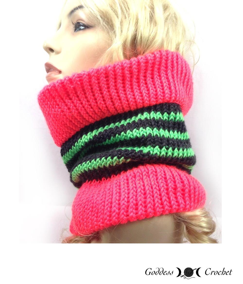 Beginner Knitting Loom Patterns : Loom Knit Cowl AllFreeKnitting.com