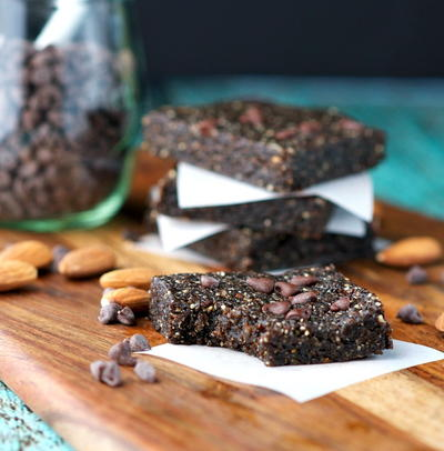 No-Bake Mocha Almond Fudge Energy Bars Recipe