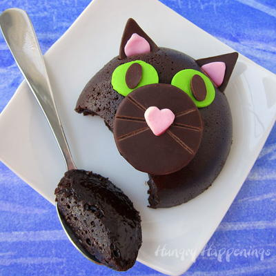 Black Cat Halloween Cake Idea