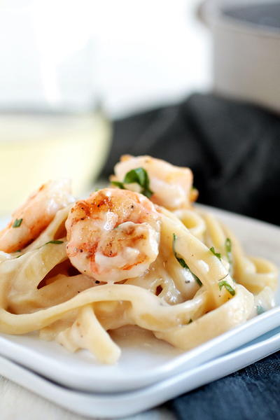 Creamy White Wine Shrimp Alfredo