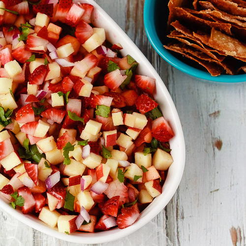 Easy Cinnamon Wonton Chips with Fruit Salsa
