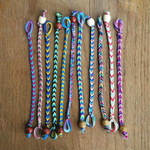 Quick and Easy DIY Friendship Bracelet