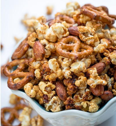 Slow Cooker Caramel Popcorn Snack Mix