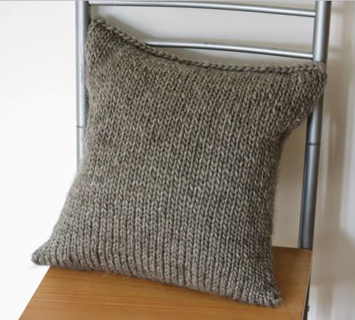 Easy Knitted Cushion Patterns : Basket Weave Pillow AllFreeKnitting.com