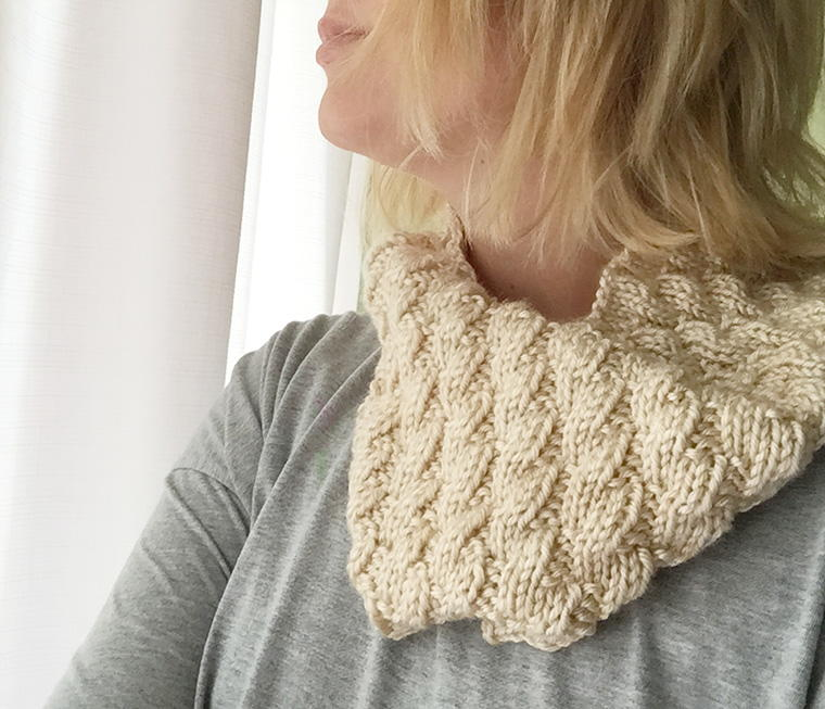 Knitting Pattern Cable Knit Cowl Vest : Toffee Mock Cable Cowl AllFreeKnitting.com