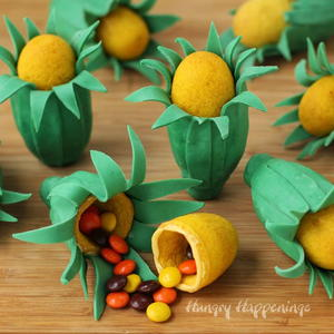 Candy-filled Corn Ear Cookies