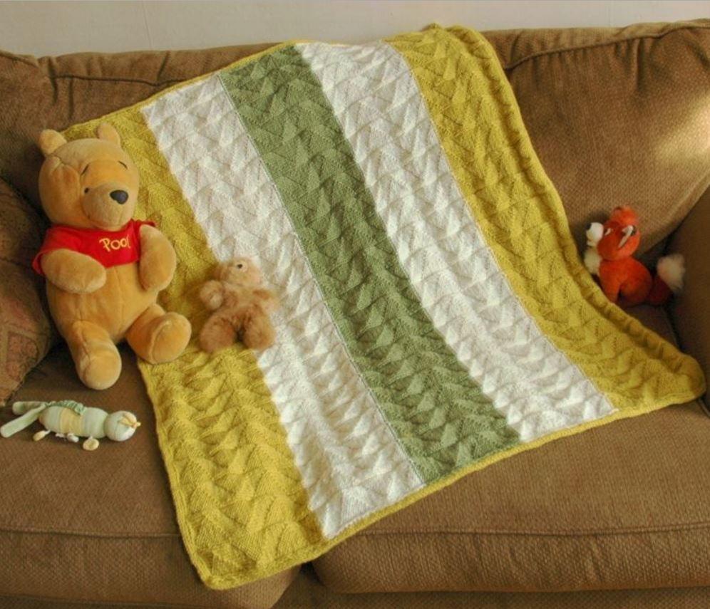 Double Pennant Baby Blanket | AllFreeKnitting.com