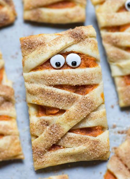 19 Scary Good Halloween Desserts | RecipeLion.com