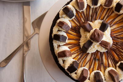 Halloween Candy Baked Cheesecake Recipe