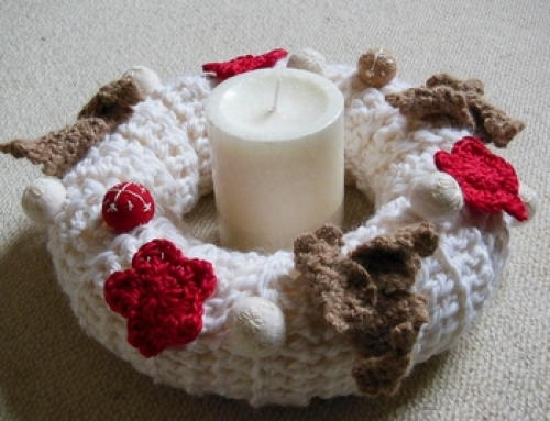 Star and Leaf Crocheted Christmas Wreath