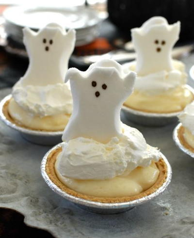 Adorable Ghost Mini Cream Pies
