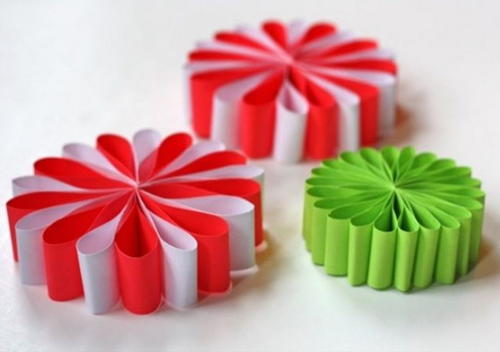Simple Paper Flower Ornaments