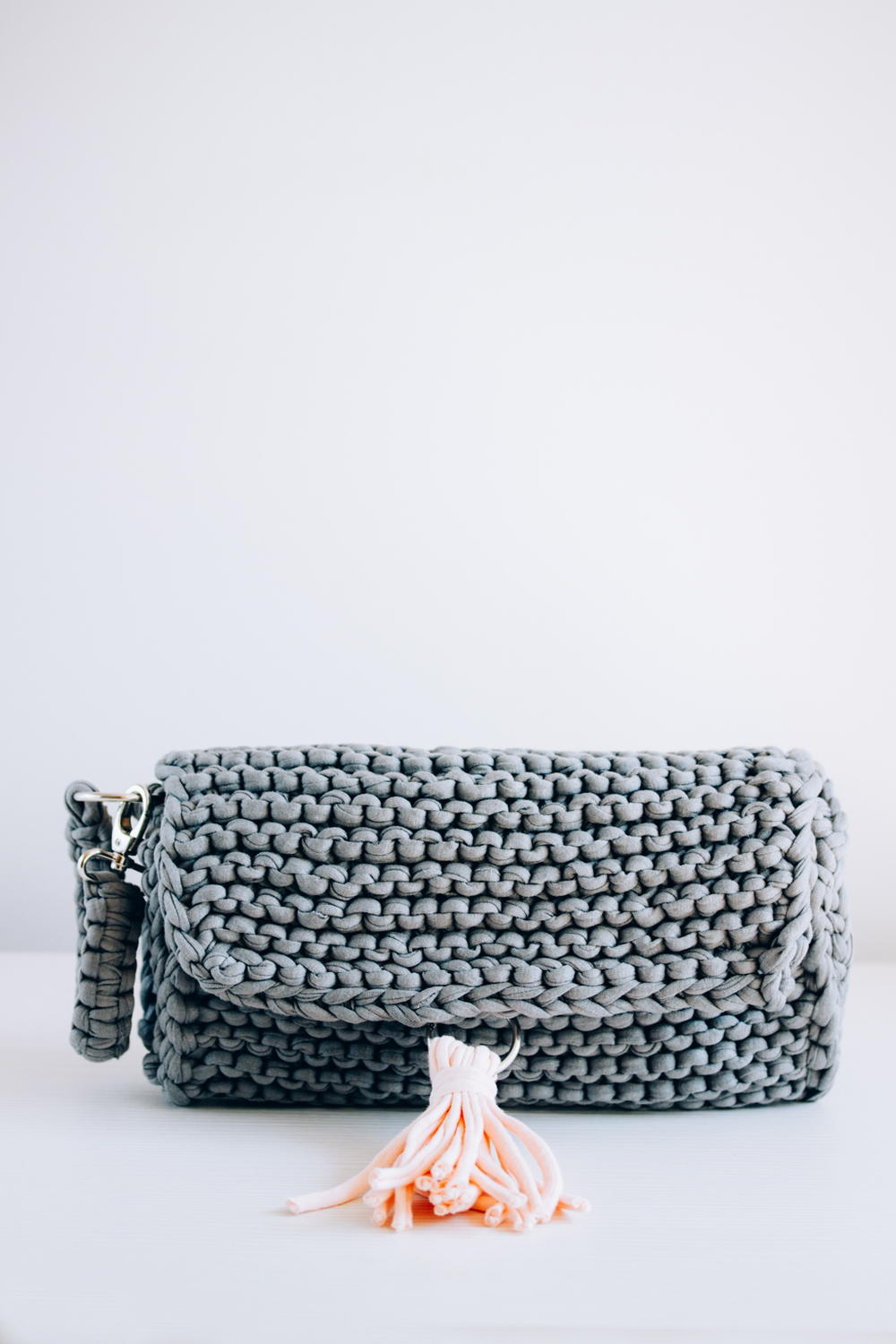 Knitted Clutch Bag Pattern : Perfect Knitted Clutch AllFreeKnitting.com