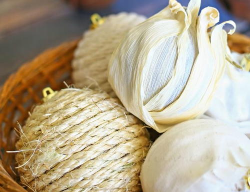 Burlap and Corn Husk Christmas Ornaments