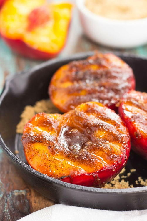 Grilled Peaches with Cinnamon and Brown Sugar