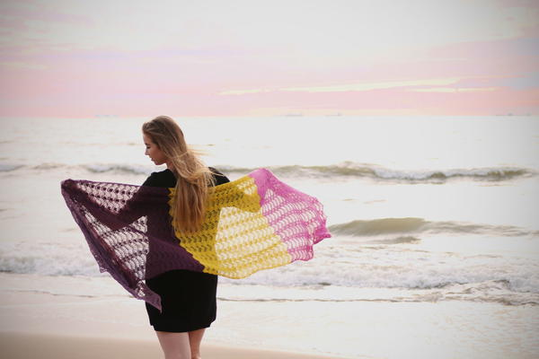 Feather & Fan Shawl