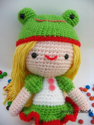 Kelly Girl Amigurumi Doll