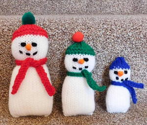 Adorable Knitted Snowman Family